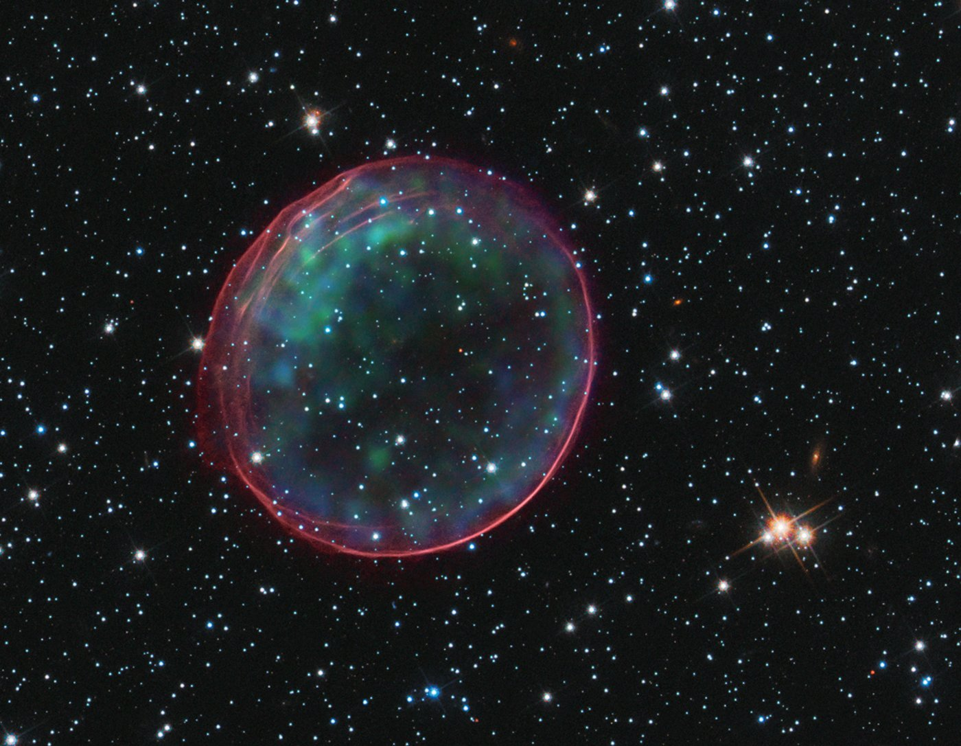 an analysis of a supernova occurrence in the space of our galaxy Amateur astronomers have made some pretty amazing observations in the past now, an argentinian amateur astronomer named victor buso is thanking his lucky stars, after capturing on camera the very moment a star went supernova.