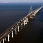 China builds world's longest bridge