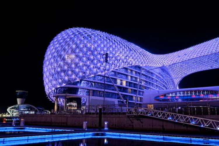 Hotel yas in abu dhabi wordlesstech for Modern hotels in the world