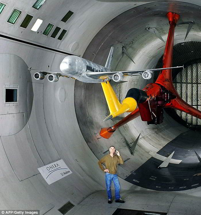 biggest wind tunnel