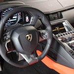 Lamborghini Aventador digital screens dashboard (video)