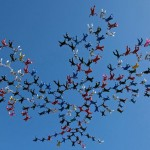 185 skydivers in Phoenix formation