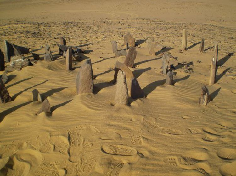 Update on 6,500-Year-Old Astronomical Stone Circle and ... |Nabta Playa Monolith