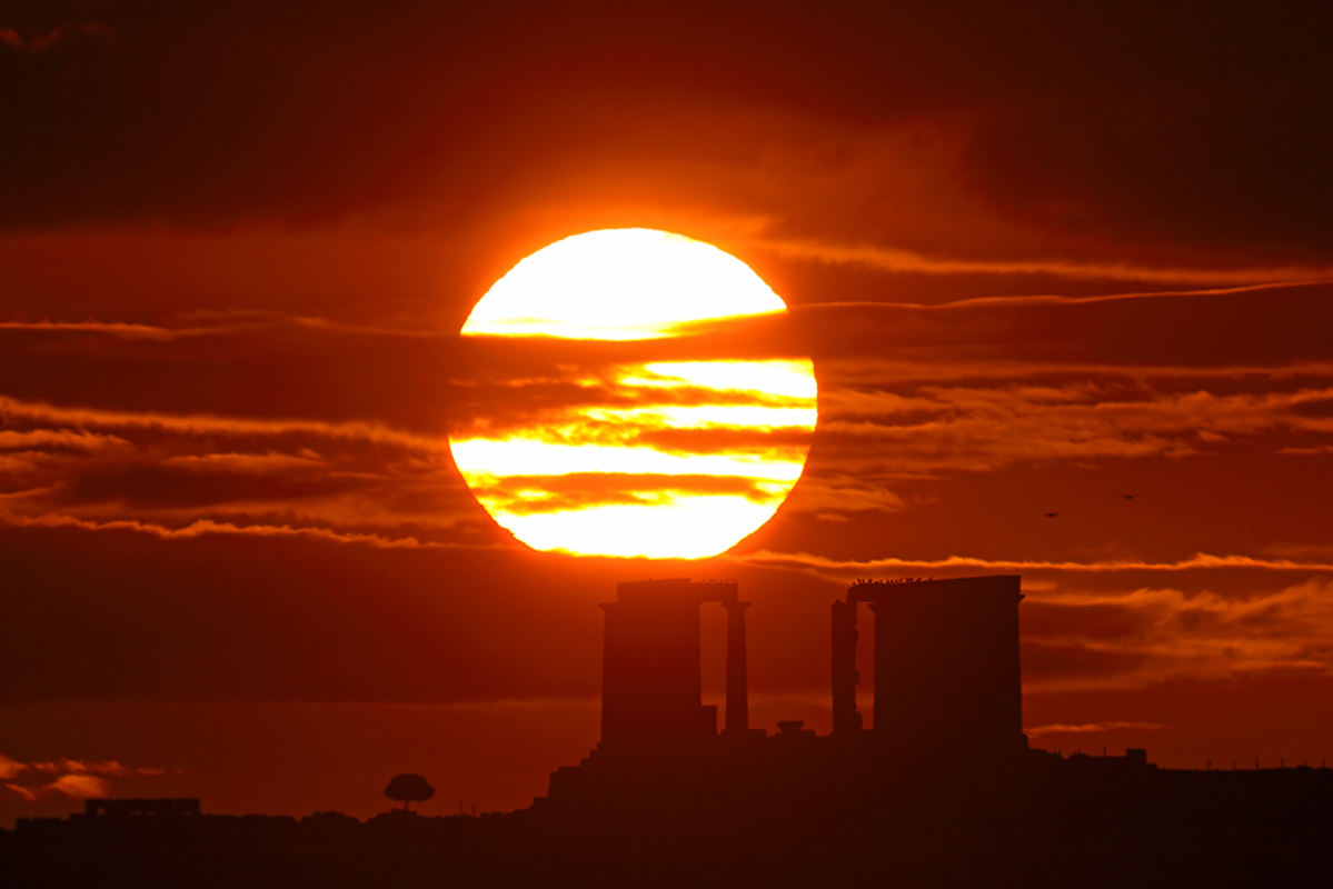 Sunrise, Cape Sounion  wordlessTech