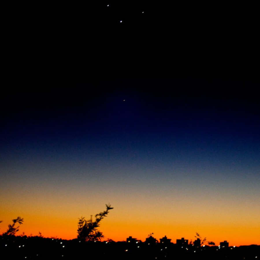 wordlessTech | Planets Align in the Morning Sky