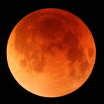 Longest Lunar Eclipse in a decade (videos)