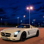 Mercedes SLS AMG Roadster (video)