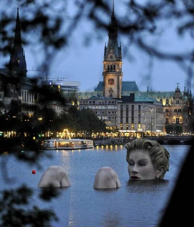 Giant mermaid by Oliver Voss on Alster lake in Hamburg