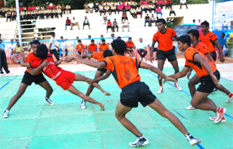 essay on kabaddi in hindi language