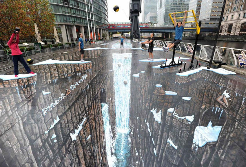 Wordlesstech guinness world record 3d street art for 3d street painting mural art