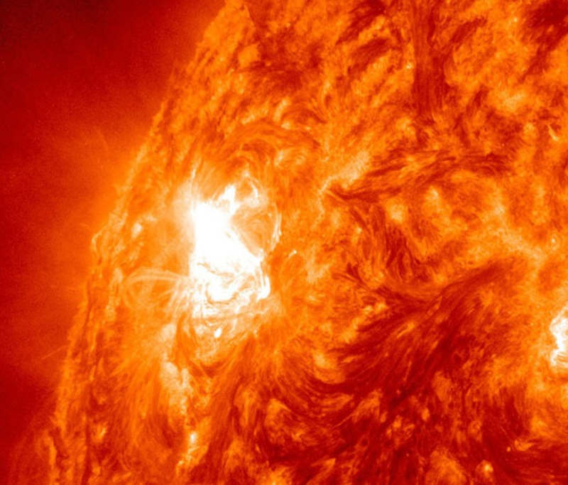 Largest Sunspot in Years | wordlessTech