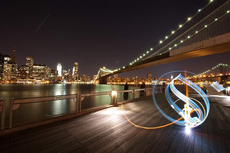 how to take a light painting photo