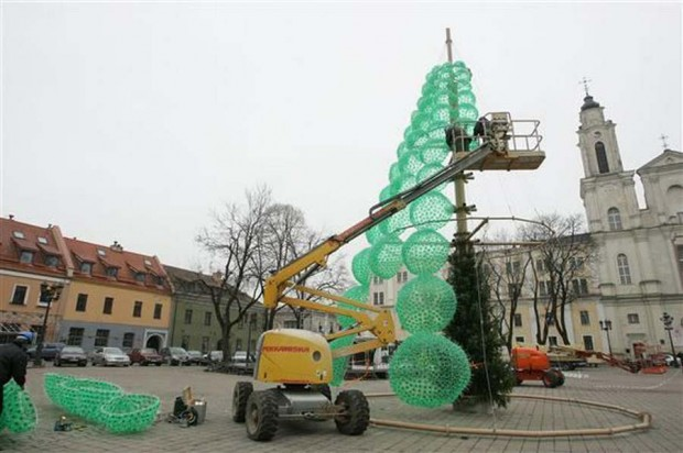 Christmas Tree made recycled green bottles (5)