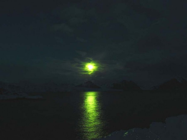 Moon and ice (11)