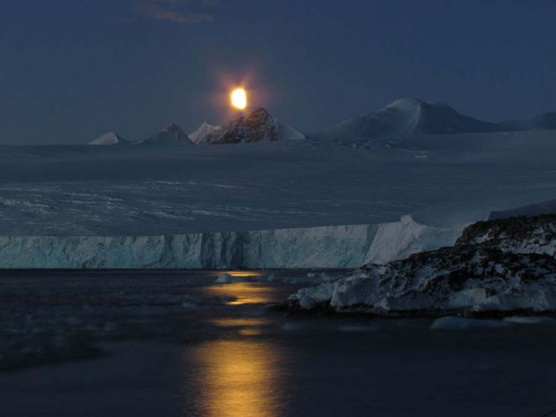 Moon and ice (10)