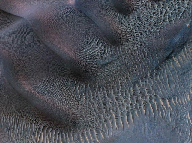 Crater in Noachis Terra, Mars from High Resolution Imaging Science Experiment (HiRISE) camera