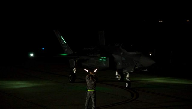 Lockheed Martin F-35 first night flight