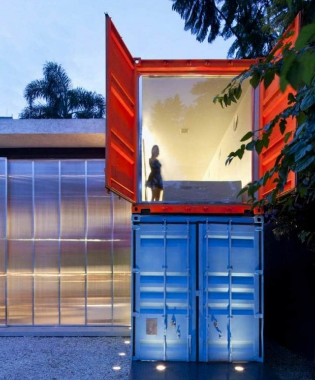 Colorful container residence by Marcio Kogan in Sao Paulo, Brazil (1)