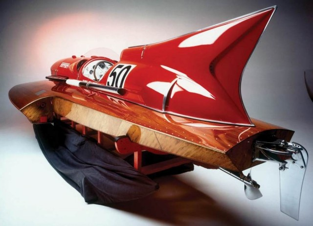 Ferrari hydroplane Arno XI racing boat for sale (2)