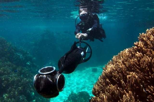 Google Street View heads underwater to map Australia's Great Barrier Reef