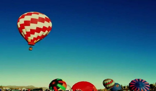 Hot air balloons launching time lapse