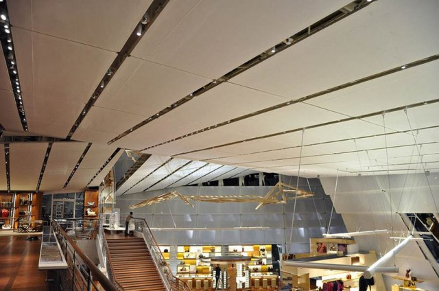Louis Vuitton Island Maison by Moshe Safdie and Peter Marino (1)