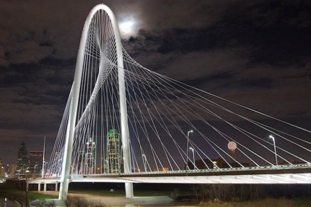 Margaret Hunt Hill Bridge in Dallas by Santiago Calatrava