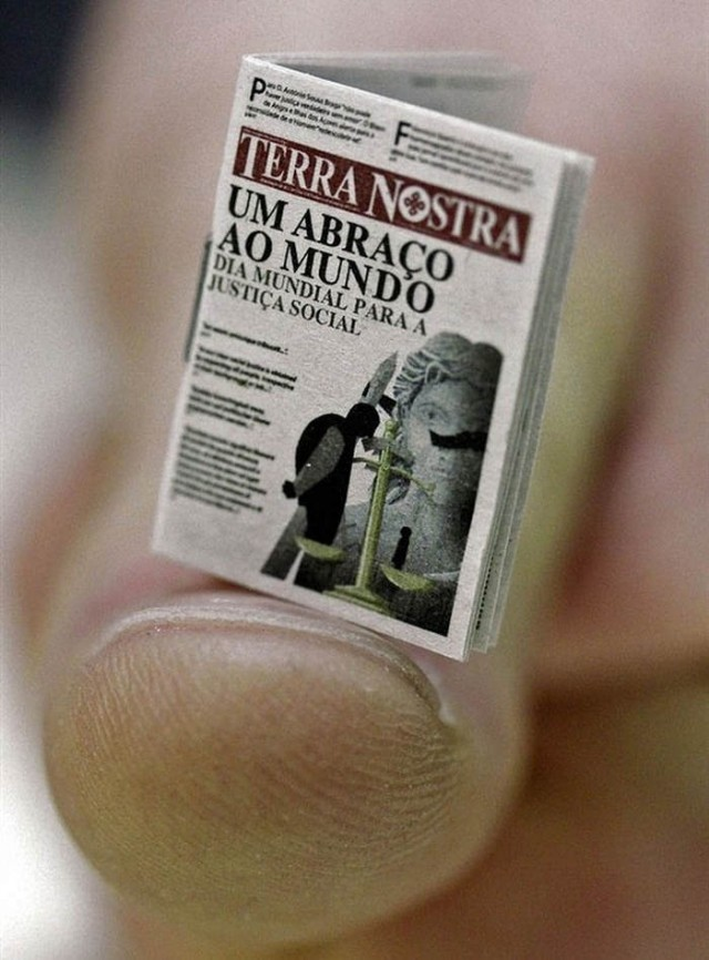 Special edition of the Terra Nostra newspaper sets record for smallest edition