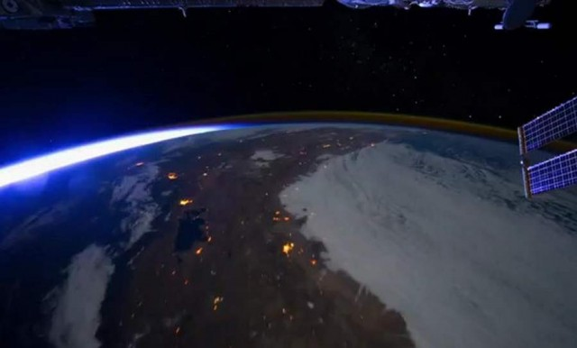 All Alone in the Night - Time-lapse footage of the Earth as seen from the ISS