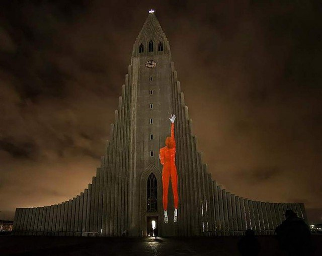 Icelandic church light projections by Marcos Zotes (4)