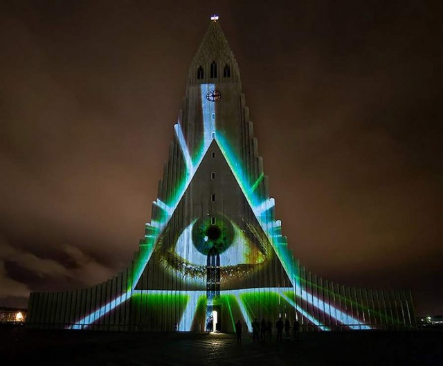 Icelandic church light projections by Marcos Zotes (3)