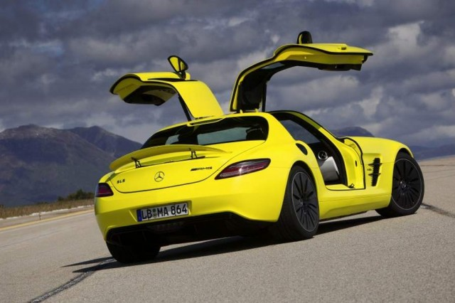 Mercedes-Benz SLS AMG E-CELL (5)