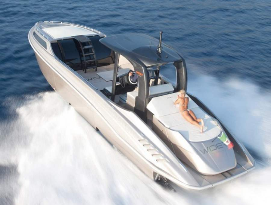 wordlessTech | Wider 42 the expandable yacht