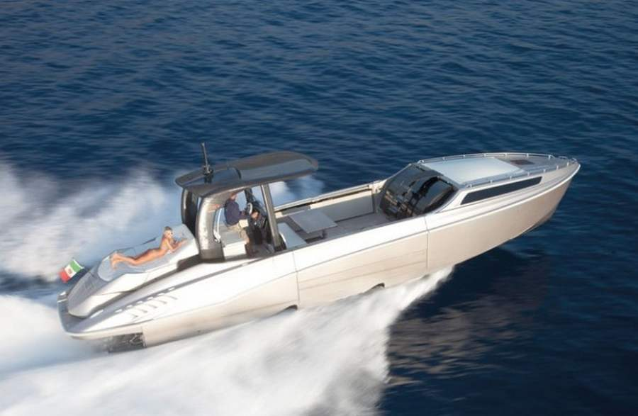 Wider 42 the expandable yacht | wordlessTech
