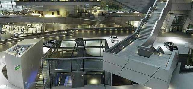 BMW Welt delivery center in Munich (6)