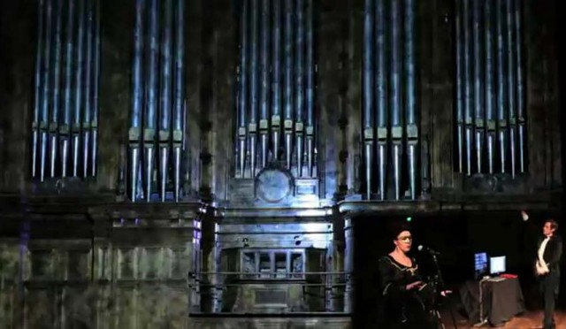 Conductor controls massive Organ through Kinect
