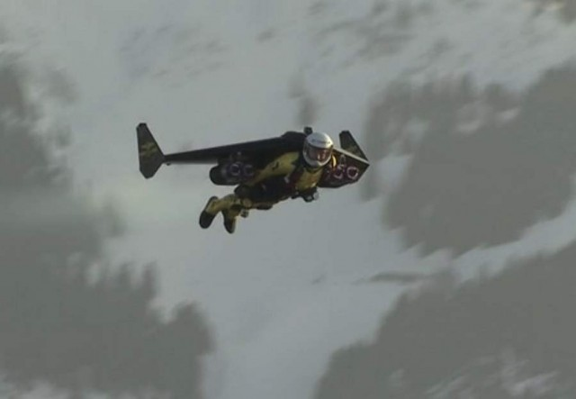 Jetman in Swiss airspace (6)