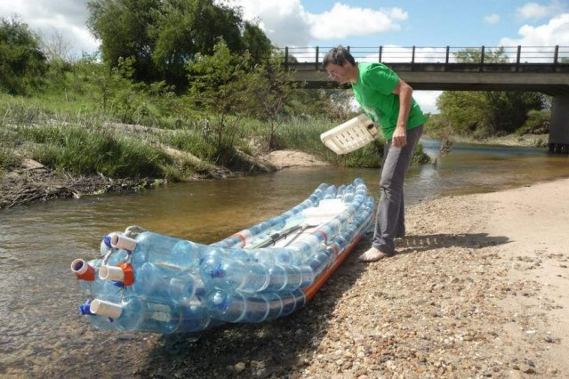 Kayak made from recycled bottles (4)
