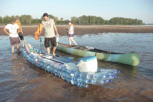 Kayak made from recycled bottles (3)