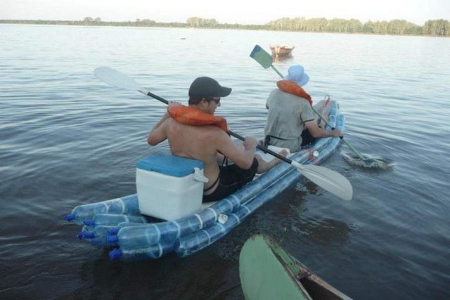 Kayak made from recycled bottles (1)