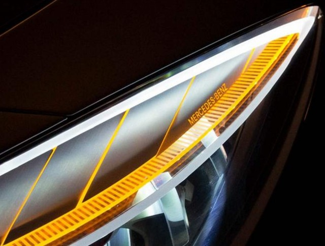 Mercedes-Benz Style Coupe Kinetic Lights