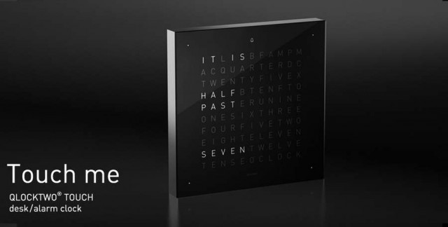 Qlocktwo W- time in words