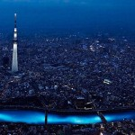 100,000 LED lights float down the Sumida River (video)