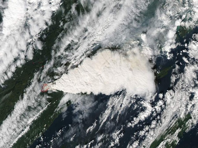 Lightning started this fire in northeastern Minnesota, image from  Aqua satellite