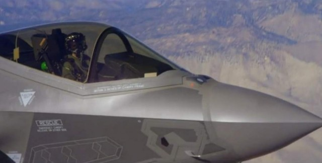 F-35 shot with Red Epic (4)