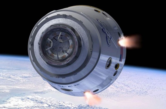 Dragon spacecraft travels to the ISS