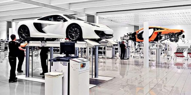 Inside the McLaren MP4-12C factory (2)
