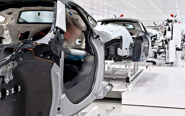 Inside the McLaren MP4-12C factory (9)