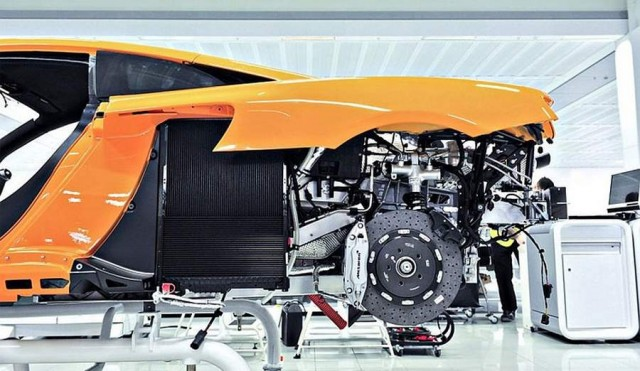 Inside the McLaren MP4-12C factory (7)