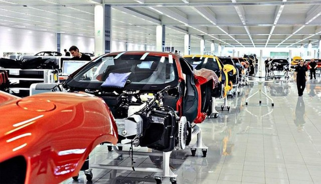 Inside the McLaren MP4-12C factory (5)